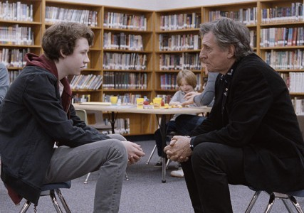 The death of a mother causes tensions between father and son in Louder Than Bombs
